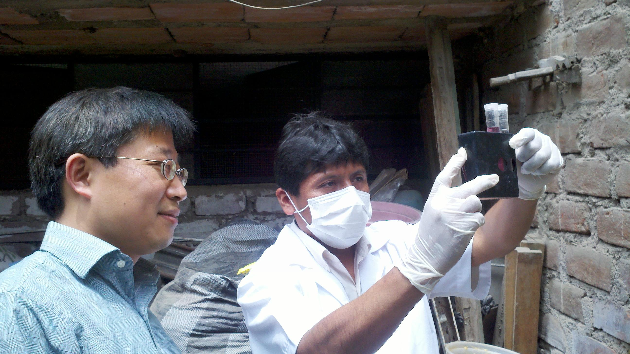 Chuanwu Xi studies biofilms, water quality and treatment and human health around the world, including in Peru, Qatar, China and the US.